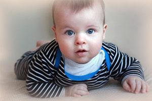 Физическое развитие малыша девяти месяцев по календарю развития ребенка
