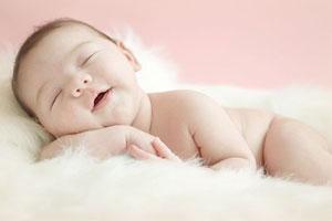 Малыш больше бодрствует днём